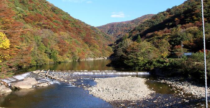 新緑から紅葉まで楽しめる観光名所!秋田県仙北市「抱返り渓谷」とは?