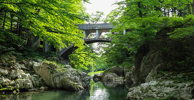 【Sumita】What is Hayama Megane Bridge?The bridge in the shape of glasses that moistens a vast paddy field!