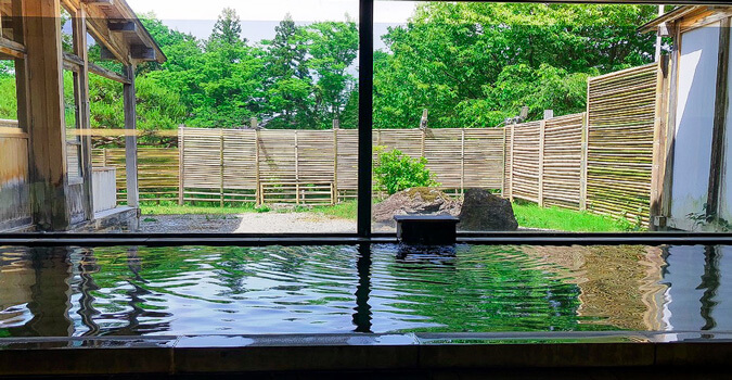 What is Itsukushien? A magnificent view of Genbi Gorge! Enjoy a one-day hot spring!