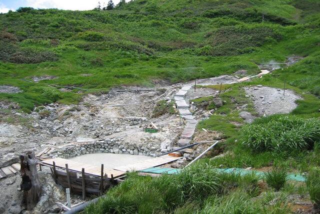 Enjoy the natural hot spring at Mt.Hachimantai!