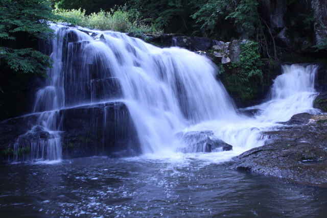 Do you like the place where the sound of the waterfall resonates comfortably?
